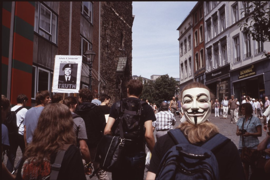 #StopWatchingUs: Anonymous im Anmarsch