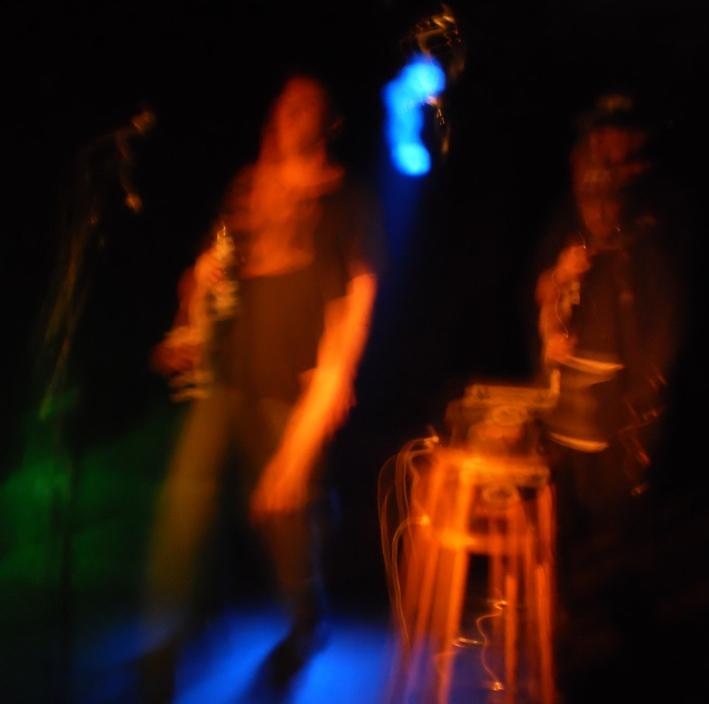 Sleaford Mods @ Musikbunker, 09.05.2014 (Ja, das Foto ist Scheiße, aber das Konzert selbst war so geil, daß es hier erwähnt werden muß.)