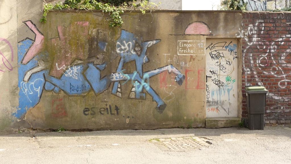 April 2014 Reihstraße 12 Klaus Paier Grafitti (1)